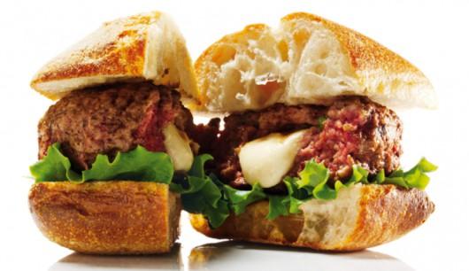 Bild eines Bifteki-Burger-mit-Mozzarella